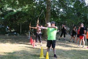 Pratique tir à l'arc en groupe