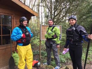 Bénévoles club de kayak ADSCE